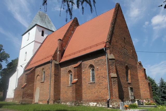 Strzelce -  Kościół parafialny p.w. św. Marcina murowany, wybudowany XIV-XVI w., odnowiony XVII w..jpeg