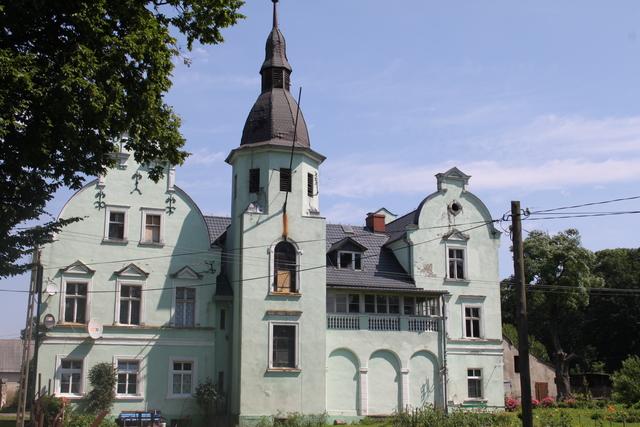 Strzelce - Pałac murowany z początku XIX w.   2.jpeg