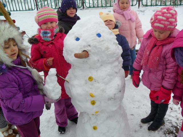 Przedszkole w Domaszowicach - Zima, zima, zima, pada, pada śnieg....jpeg